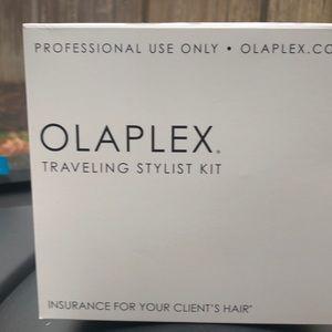 COPY - OLAPLEX traveling stylist kit